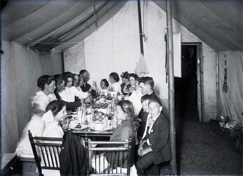 2005-0103-004-Tent-Dinner-a