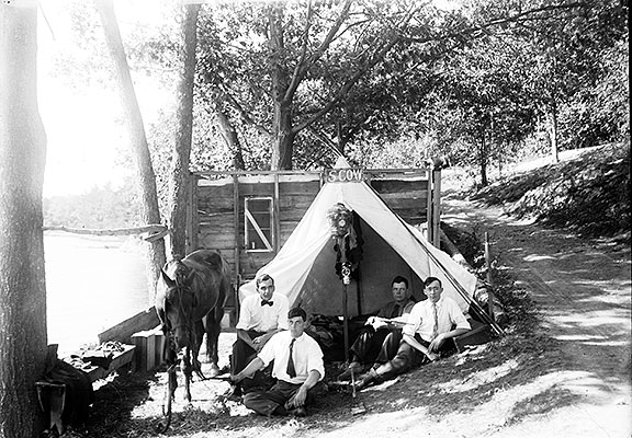 2006.0182.006-Men-Camping-a