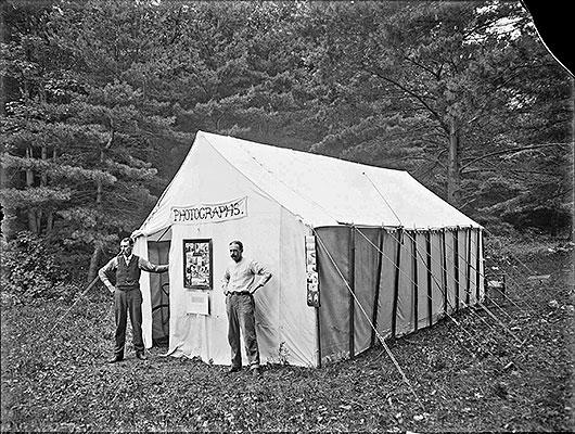 Deweys-Photo-Tent