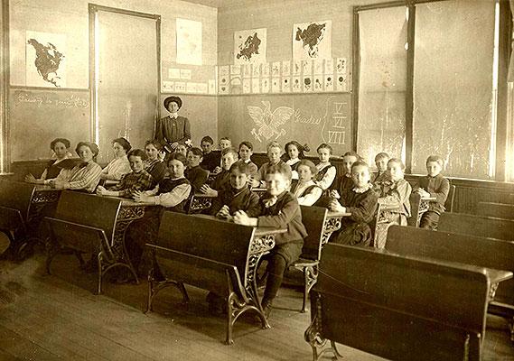 GradedSchool-c.1900